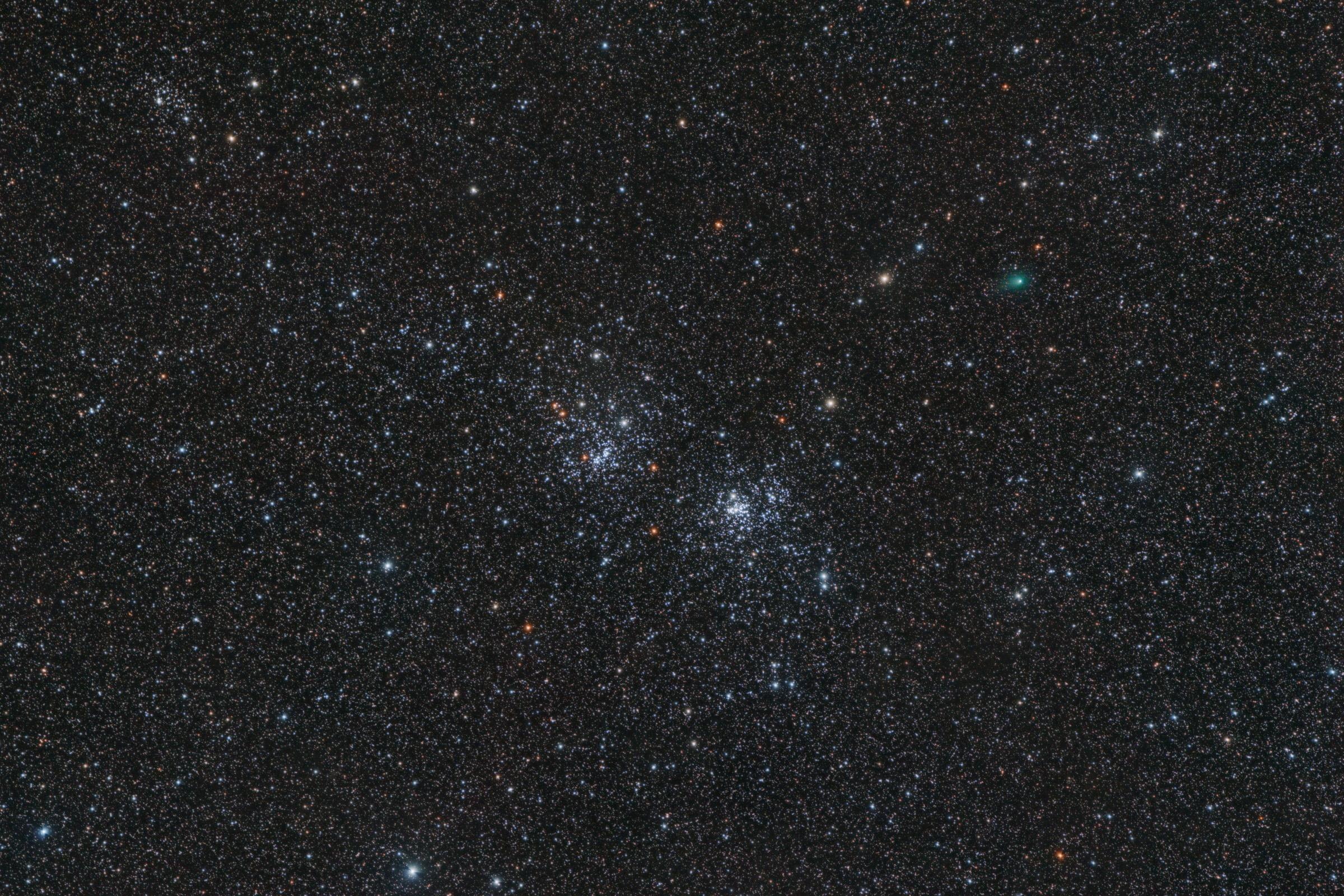 Komeet C/2017 T2 (PANSTARRS) & Dubbelcluster